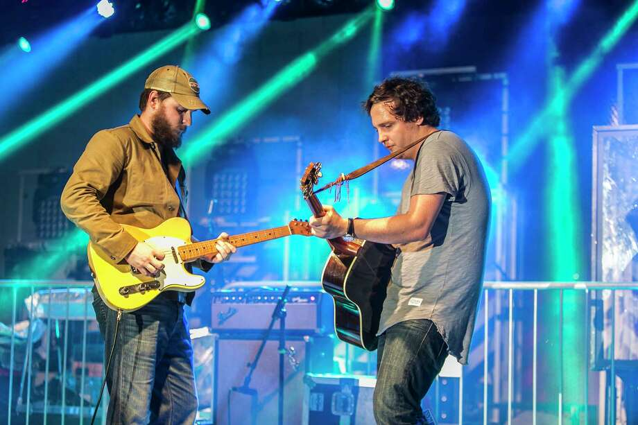 The Houston duo's mix of country and Americana will be at the Lone Star Bar Saturday.  Photo: Courtesy Photo