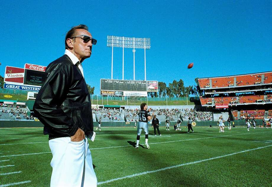 In this Saturday, Aug. 26, 1989 file photo, Raiders owner Al Davis watches Los Angeles Raiders practice before exhibition game against the Houston Oilers at the Oakland Coliseum. Davis, the Hall of Fame owner of the Oakland Raiders known for his rebellious spirit, has died. The team announced his death at age 82 on Saturday, Oct. 8, 2011. (AP Photo/Scott Anger) Photo: Scott Anger, AP