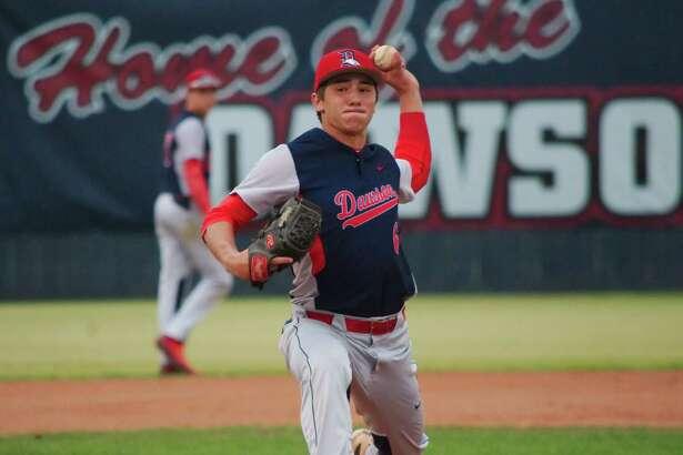 Dawson's Adam Houghtaling (6) pitches against Pearland Friday, Mar. 24 at Dawson High School.