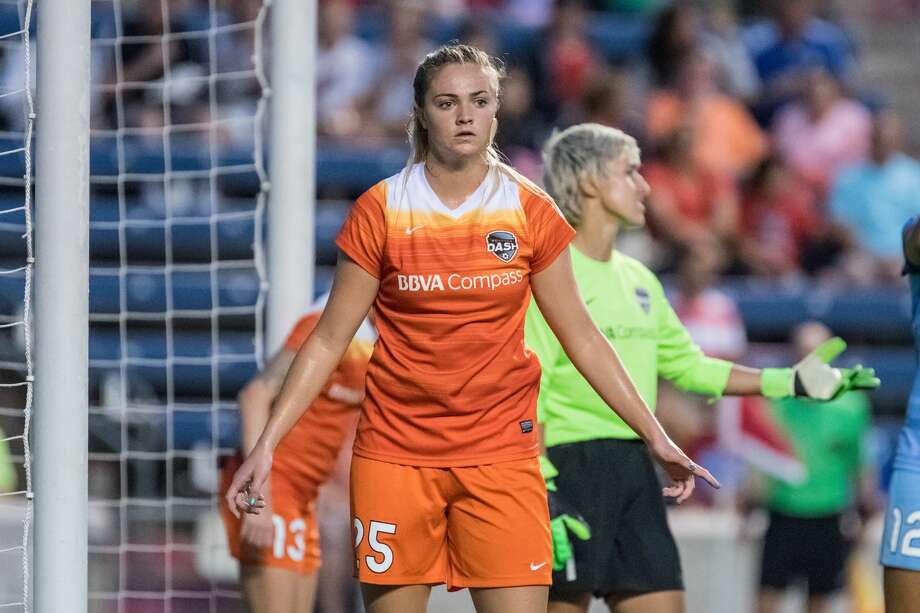 Bridgeview, IL - Saturday July 23, 2016: Houston Dash midfielder Megan Crosson (25) during a regular season National Women's Soccer League (NWSL) match between the Chicago Red Stars and the Houston Dash at Toyota Park. Photo: Robin Alam/isiphotos.com