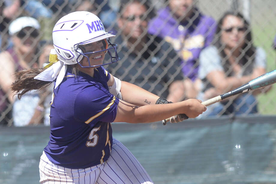 Midland High's Abbi Sanchez (5) bats against Lee on March 25, 2017, at Audrey Gill Sports Complex. James Durbin/Reporter-Telegram Photo: James Durbin