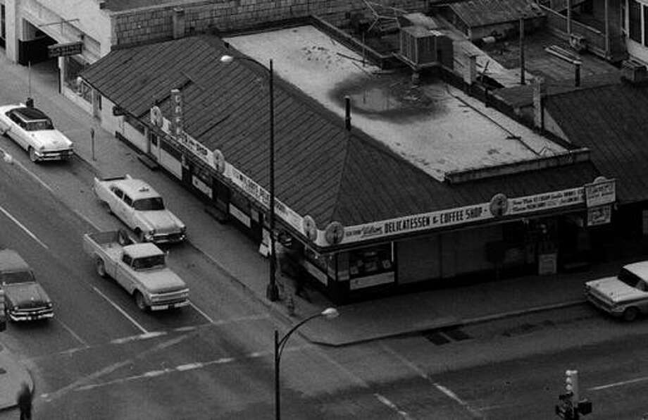 Wilson's Delicatessen and Coffee Shop, at the southwest corner of Navarro and Pecan streets, circa 1959. Photo: Zintgraff Photo /Courtesy UTSA Special Collections