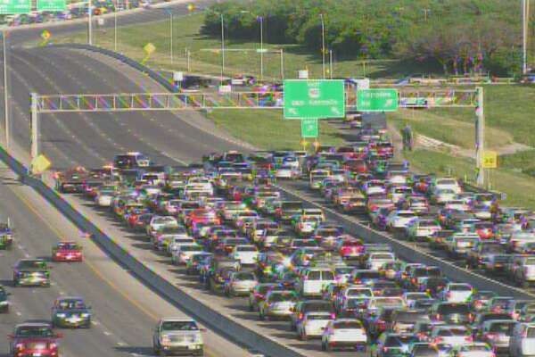 According to the active incidents page of the San Antonio Fire Department, multiple units responded to a wreck on U.S. 90 on the Southwest Side Saturday afternoon, March 25, that closed down all eastbound lanes.