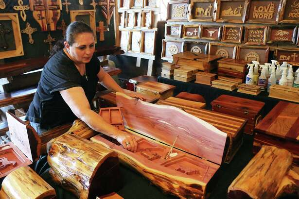Woodworking from Woodville, Texas, was a favorite of customers at the trade days. The handmade wood items featuring just about every kind of wood available in Texas brought delight to many who appreciated the workmanship.