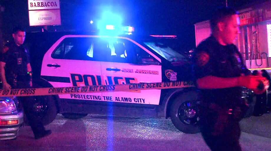 San Antonio police investigate a shooting on the Northwest Side that sent one man to the hospital in serious condition Sunday morning, March 26, 2017. Photo: Pro 21 Video