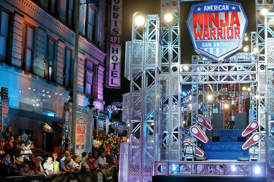 Fans wait for the start of the American Ninja Warrior San Antonio Sunday March 26, 2017. Photo: Edward A. Ornelas, Staff / San Antonio Express-News / © 2017 San Antonio Express-News