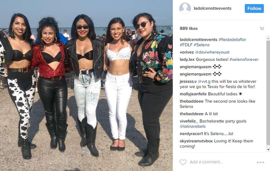 ladolcenotteevents: #fiestadelaflor #FDLF #Selena Photo: Instagram.com