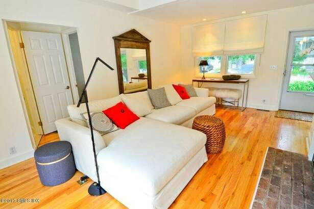 3 Park Ave, Old Greenwich, CT 06870   2 beds, 2 baths 1,130 sqft   Price: $1,100,000    View full listing on Zillow