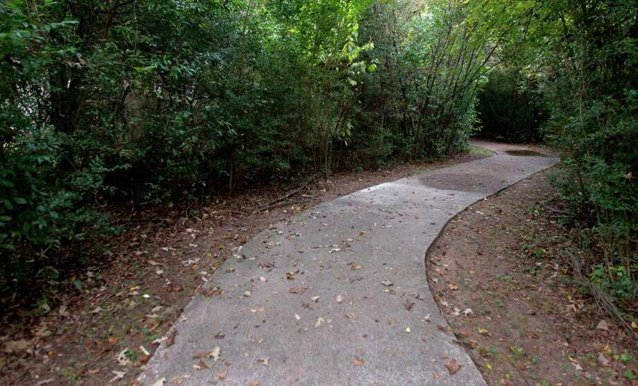 The Woodlands has more than 500 mile of pathways connecting residential and commercial areas. Photo: Jason Fochtman, Staff Photographer / Houston Chronicle