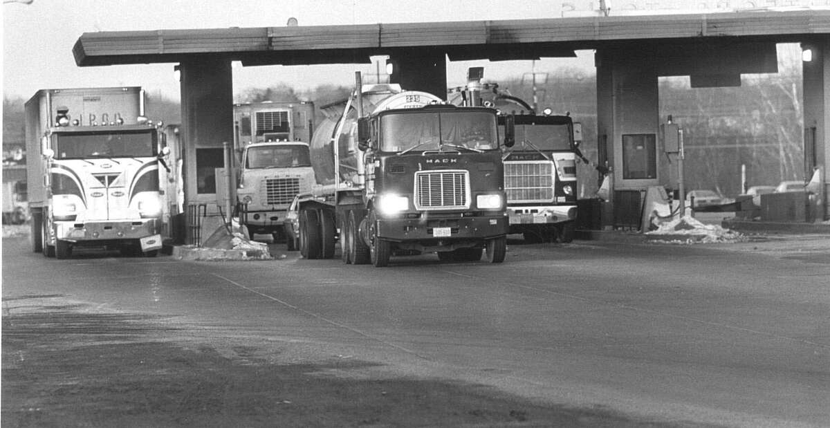 Vehicles pass through the former Stratford toll plaza on Interstate 95. Tolls could return to Connecticut to help generate revenue for the Special Transportation Fund.