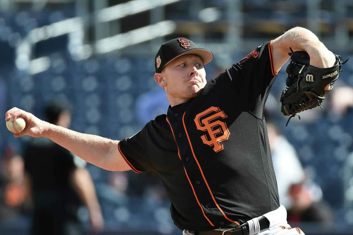 PEORIA, AZ - FEBRUARY 28: Mark Melancon #41 of the San Francisco Giants pitches during a Cactus League spring training game against the San Diego Padres at Peoria Stadium on February 28, 2017 in Peoria, Arizona. (Photo by Lisa Blumenfeld/Getty Images)
