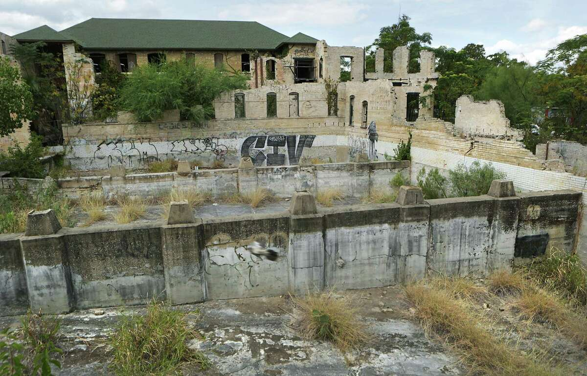 County officials approved a $5.8 million project to turn the Hot Wells ruins into a resort, county commissioners previously had trouble agreeing with local developer James Lifshutz on environmental cleanup and other issues but have approved the plan giving him until April 13 to agree.