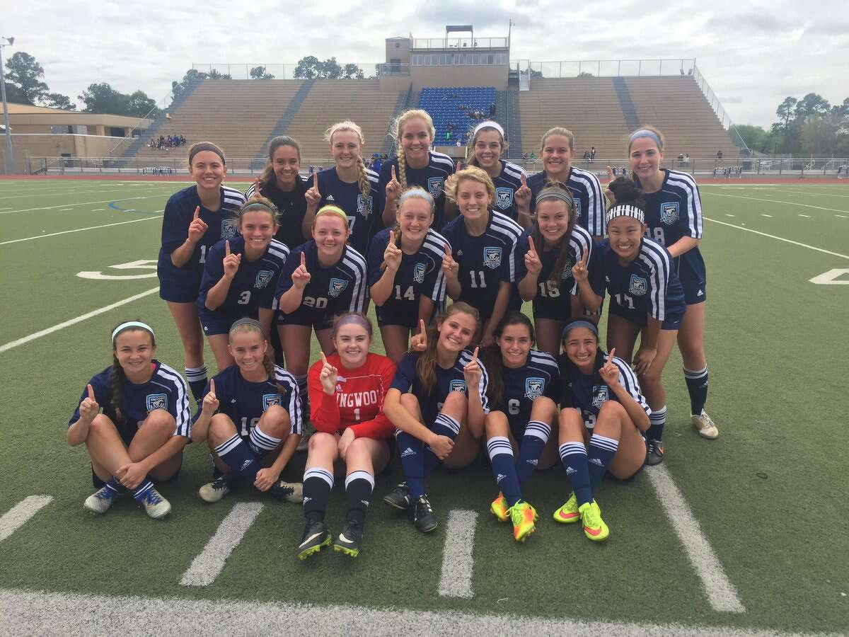 The Kingwood Lady Mustangs soccer team.