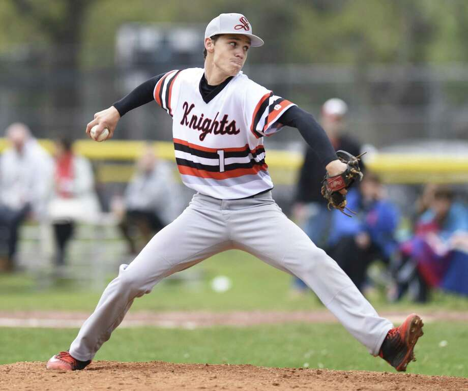 Stamford pitcher Lucas Beldotti pitches in Greenwich's 4-3 win over Stamford in the high school baseball game at Stamford High School in Stamford, Conn. Monday, May 2, 2016. Photo: Tyler Sizemore / Hearst Connecticut Media / Greenwich Time