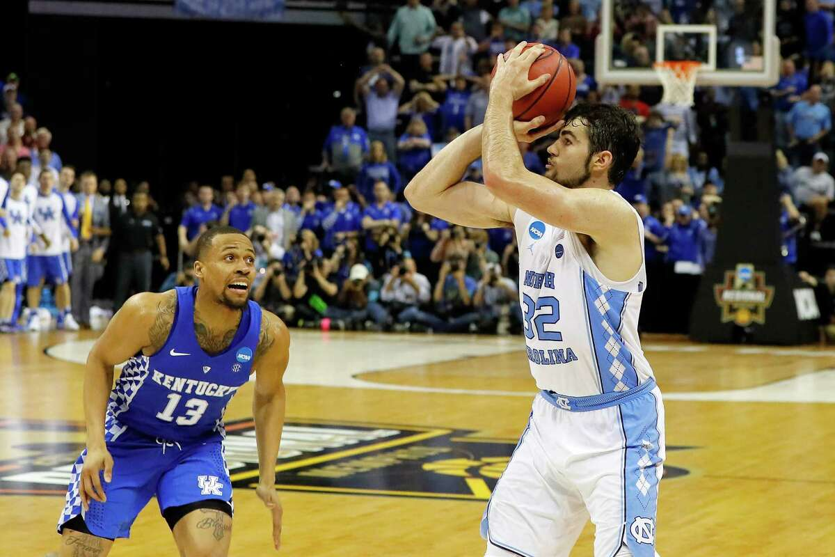 MEMPHIS, TN - MARCH 26: Luke Maye #32 of the North Carolina Tar Heels shoots the game winning basket late in the second half against the Kentucky Wildcats during the 2017 NCAA Men's Basketball Tournament South Regional at FedExForum on March 26, 2017 in Memphis, Tennessee. (Photo by Kevin C. Cox/Getty Images) ORG XMIT: 686517963