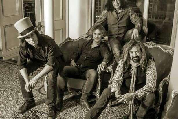 Rock band Dan Baird and Homemade Sin