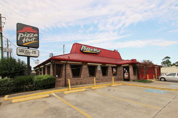 Braun Enterprises has purchased 1805 W. 18th in the Timbergrove area. The Houston-based company plans to lease the space to another restaurant operator when Pizza Hut vacates.