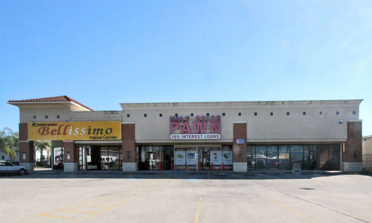 Braun Enterprises has acquired1848 Airline. Ristorante Bellissimo Italian Cafe leases a portion of the building. Braun Enterprises plans to update the exterior and lease out the vacant space to a new tenant.