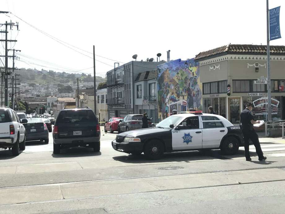 A woman was killed and two men were wounded in a shooting Wednesday morning at Plymouth Avenue and Broad Street in the Oceanview neighborhood of San Francisco. Photo: Filipa A. Ioannou / The Chronicle / /