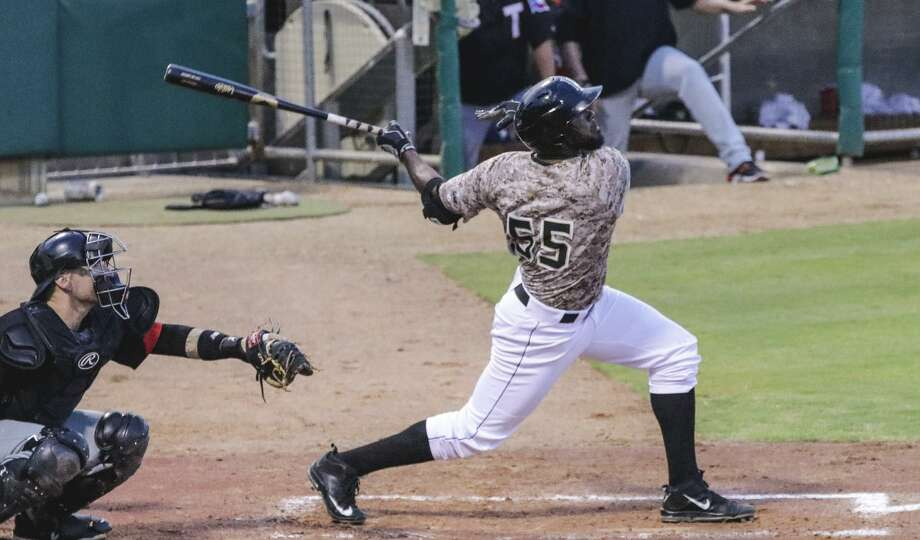 Lemurs outfielder Dennis Phipps is returning for his fourth season in Laredo after hitting an American Association high 24 home runs in 2016. Photo: Victor Strife /Laredo Morning Times File / Laredo Morning Times
