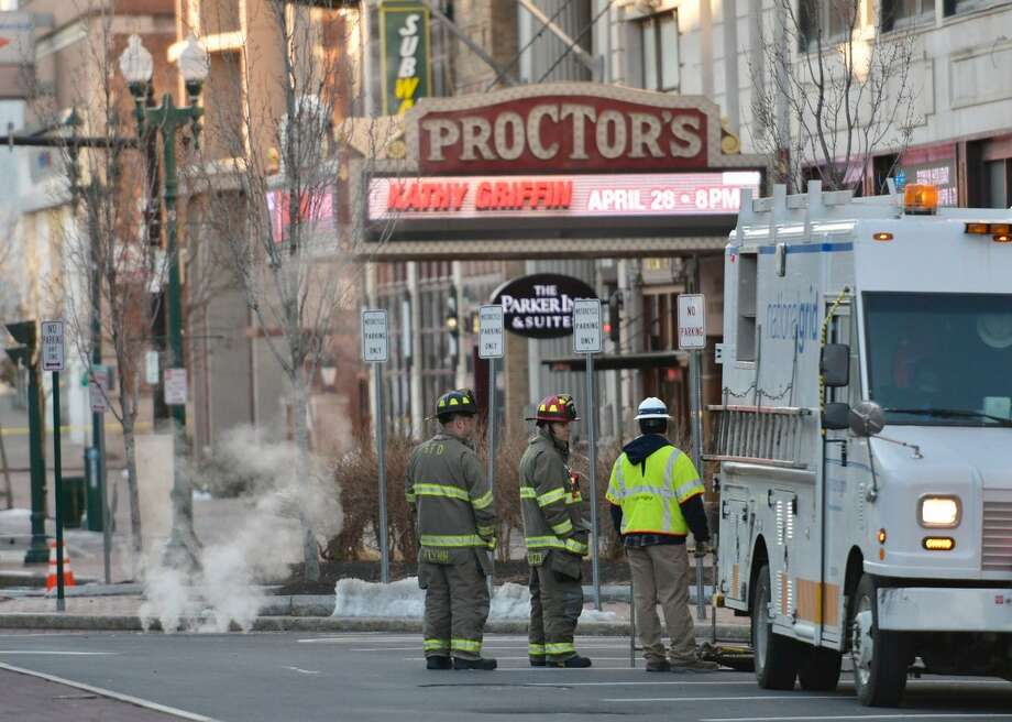 A smoldering manhole on State Street in Schenectady, NY, has streets shut down between Clinton Street and Broadway on Thursday, March 30, 2017. (Skip Dickstein/Times Union) Photo: Emily Masters/Times Union