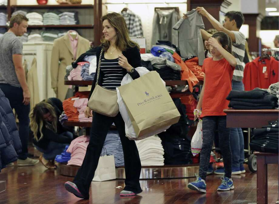 For the fourth quarter, the government revised its estimate for consumer spending, which accounts for two-thirds of economic activity, to a growth rate of 3.5 percent from a previous estimate of 3 percent. Photo: Alan Diaz /Associated Press / AP
