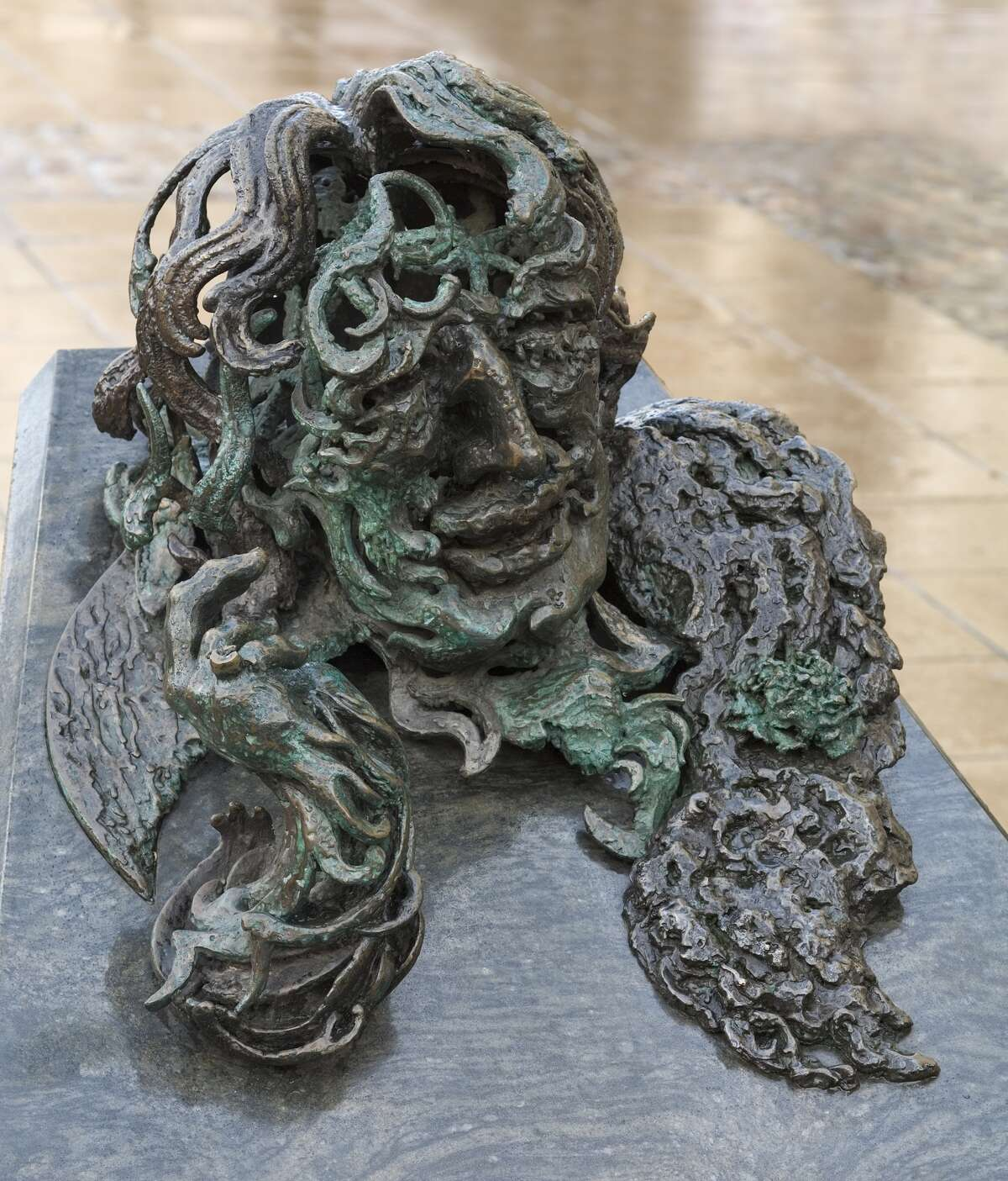 The Statues Of London,United Kingdom, Architect London, The Statues Of London Book Oscar Wilde By Maggi Hambling (Born 1945) Material Bronze And Granite Unveiled 1998 Location Adelaid Street, Wc2.