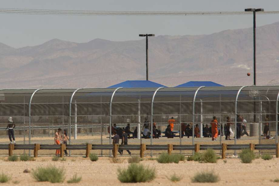 FILE - Imprisoned immigrants are seen at the US Immigration and Customs Enforcement (ICE) Adelanto Detention Facility on September 6, 2016 in Adelanto, California. Photo: DAVID MCNEW/AFP/Getty Images
