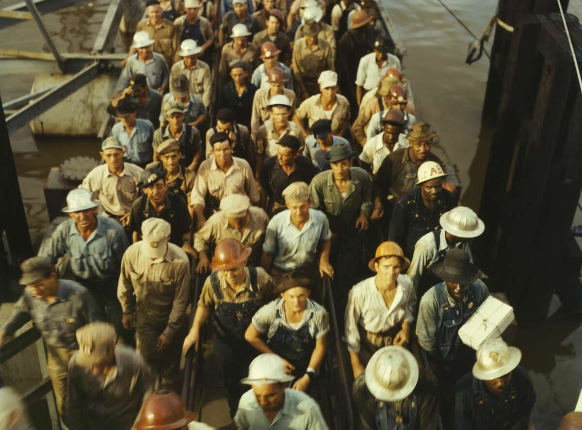 Workers leaving Pennsylvania Shipyards at shift change in Beaumont in May 1943.