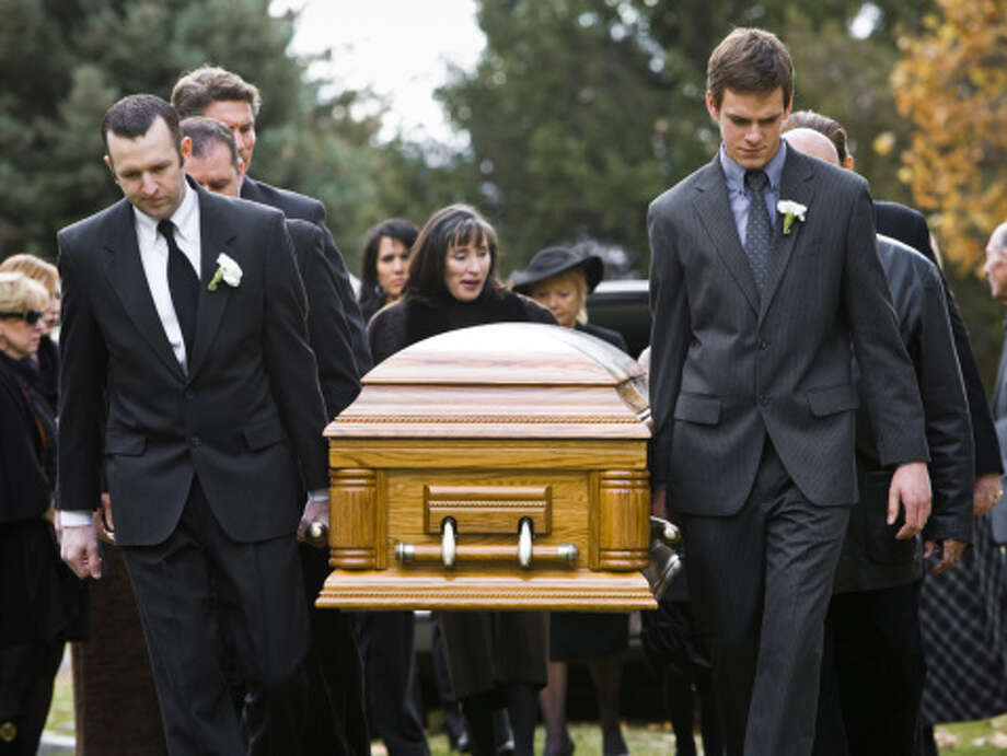 When a person dies intestate, there are two factors that must be considered. First: what arrangements has that person made contractually for the disposition of their property? Second: what does Texas law say about passage of title to other assets? Photo: RubberBall Productions/Getty Images/Brand X