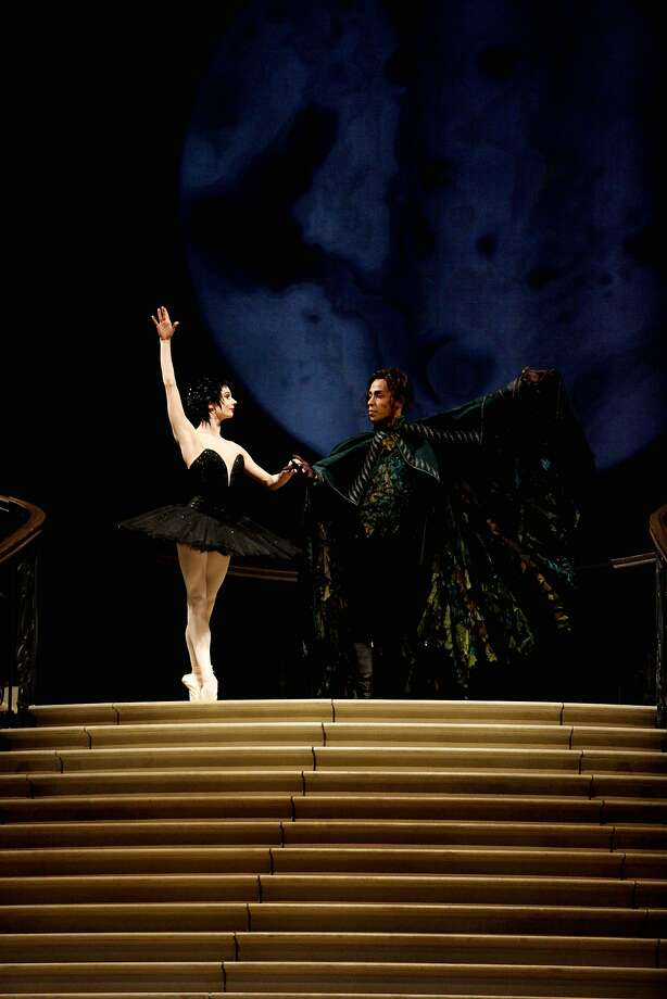 Maria Kochetkova, left, and Daniel Deivison-Oliveira perform during a dress rehearsal of Sawn Lake in the War Memorial  Opera House on Thursday, March 30, 2017, in San Francisco, Calif. Photo: Natasha Dangond, The Chronicle