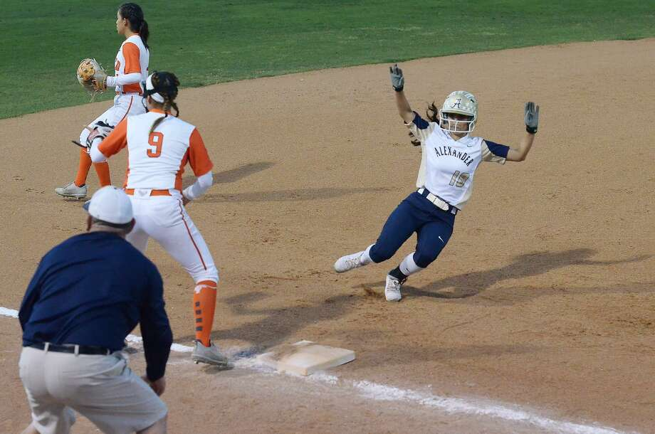 Arianna Herrera was 2-for-2 with two stolen bases in a 2-0 loss to Pearsall Saturday in the Championship Bracket of the Border Olympics. Photo: Cuate Santos /Laredo Morning Times File / Laredo Morning Times