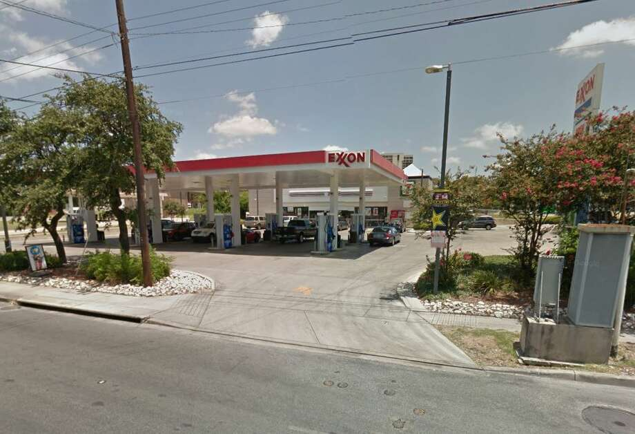 Click through for San Antonio's cleanest establishments in April 2019. 