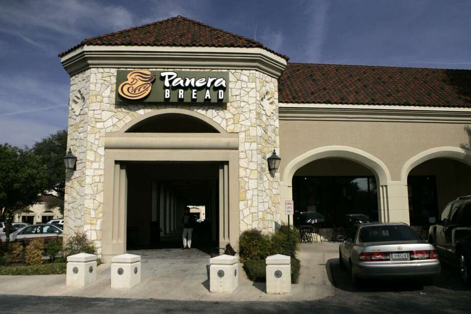 "Panera Bread Co. plans to start listing the amount of added sugars of its fountain beverages. Its goal is to to steer customers away from sugary drinks, saying they contribute to obesity and heart disease. To offer alternatives, Panera is rolling out a series of ""craft beverages"" that are made without artificial ingredients. Photo: San Antonio Express-News /File Photo / SAN ANTONIO EXPRESS-NEWS"