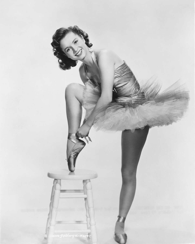 American actress and dancer Debbie Reynolds in ballet costume, circa 1955.