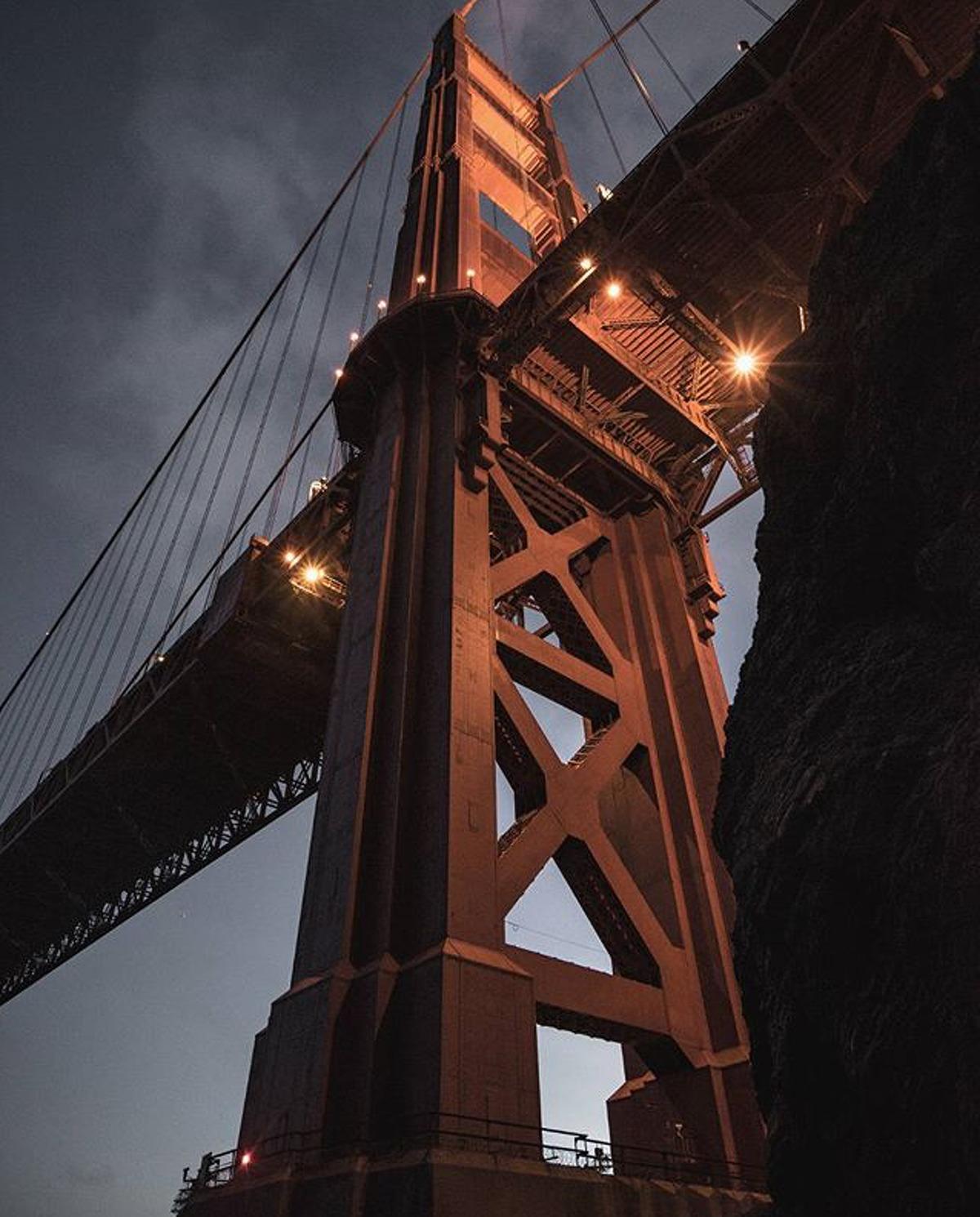 @_mikemcc makes the Golden Gate Bridge look like a goliath.