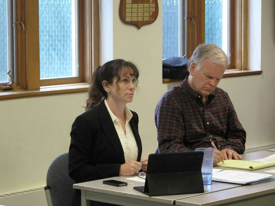 Finance Director Dawn Norton (left) with Town Administrator Tom Stadler (right) at a Board of Selectmen meeting. Photo: Tyler Woods / Tyler Woods / New Canaan News