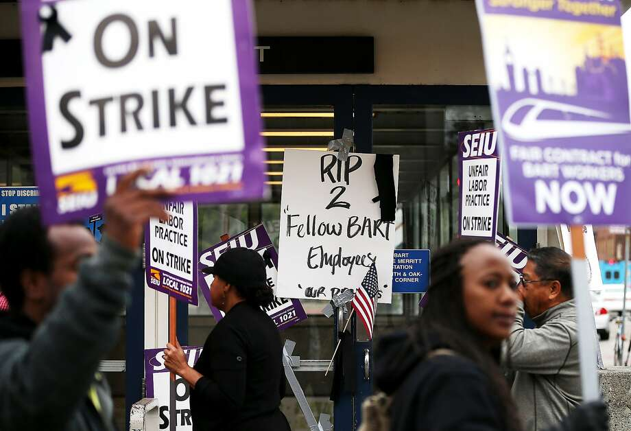 Striking BART workers in October 2013 at the Walnut Creek station. Photo: Justin Sullivan, Getty Images