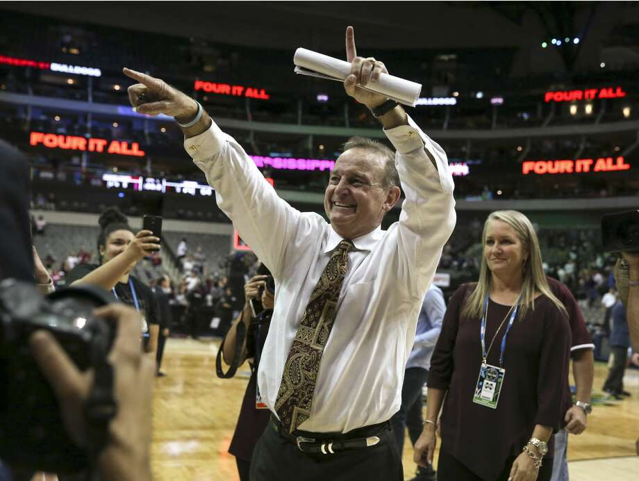 Mississippi State head coach Vic Schaefer gestures to fans as he leaves the court after a 66-64 win against Connecticut in an NCAA Tournament semifinal at American Airlines Center in Dallas on Friday, March 31, 2017. (Richard W. Rodriguez/Fort Worth Star-Telegram/TNS) Photo: Richard W. Rodriguez/TNS