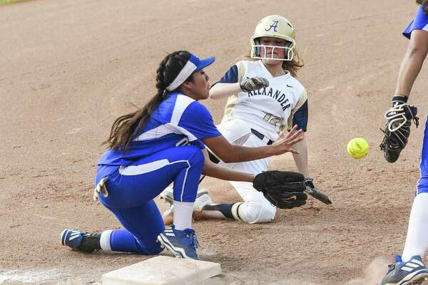 Emma Steed had a double in Alexander's eight-hit, seven-run fifth inning Friday in the Lady Bulldogs' 11-3 win over Del Rio.