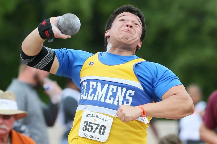Clemens' Gabe Galvan tosses the shot in at the Texas Relays at UT's Myers Stadium in Austin on April 1, 2017. Photo: Marvin Pfeiffer /San Antonio Express-News / Express-News 2017