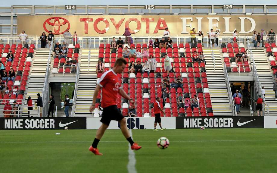 Fans enter Toyota Field for the San Antonio FC and LA Galaxy II soccer match Saturday April 1, 2017. Photo: Edward A. Ornelas, Staff / San Antonio Express-News / © 2017 San Antonio Express-News