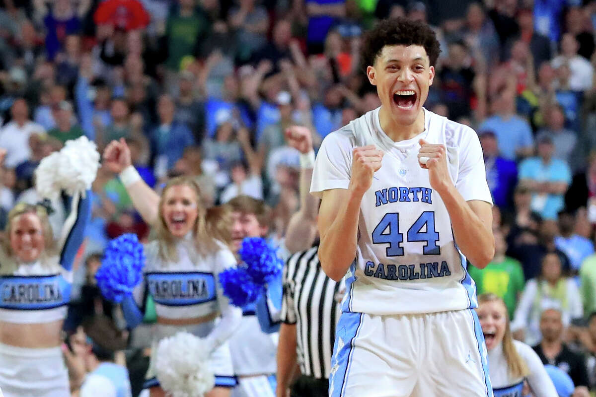 Justin Jackson and the Tar Heels will go for North Carolina's sixth title Monday after beating Oregon 77-76 in the Final Four on Saturday in Glendale, Ariz.