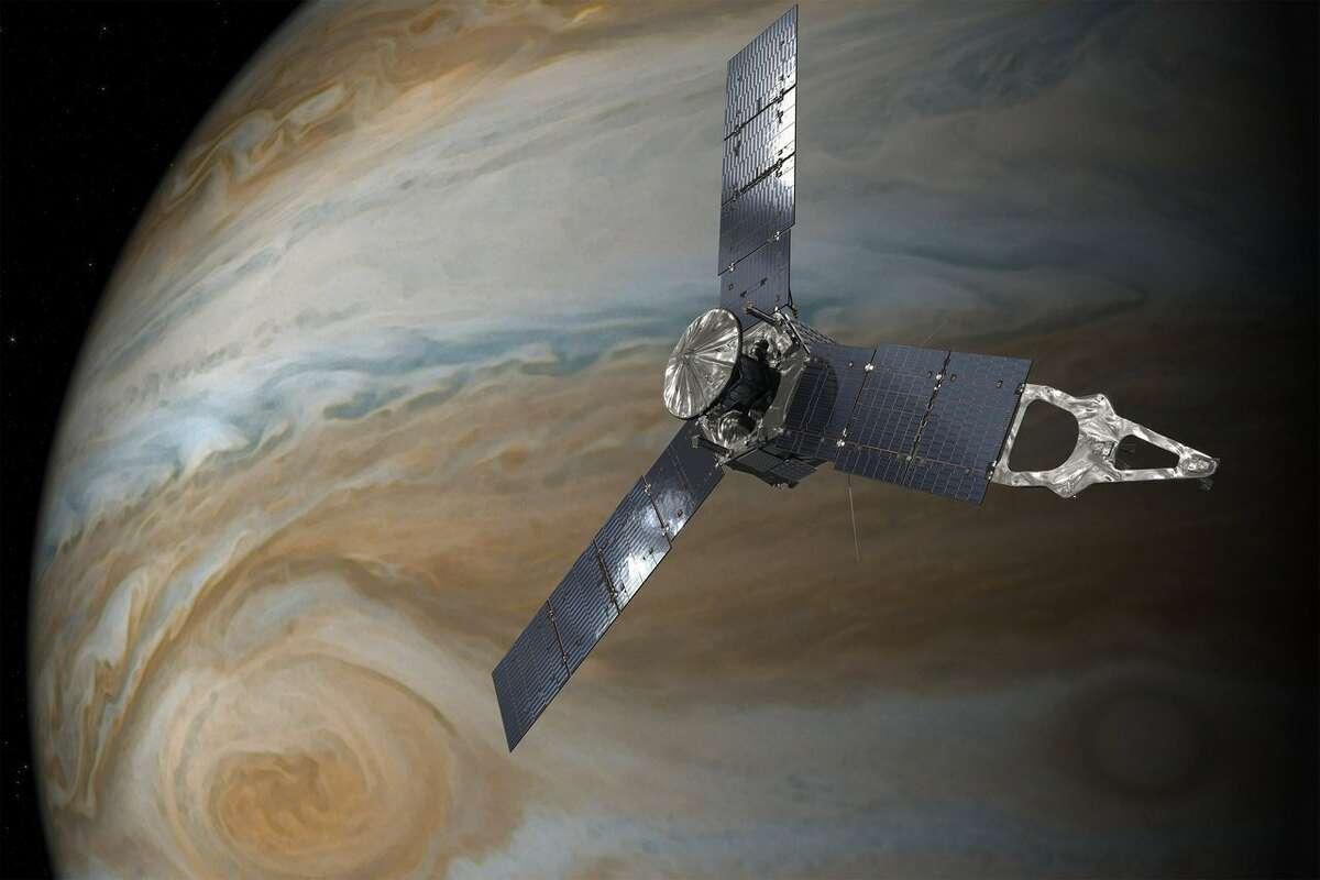 NASA's $1 billion Jupiter probe just sent back breathtaking new images of the gas giant.