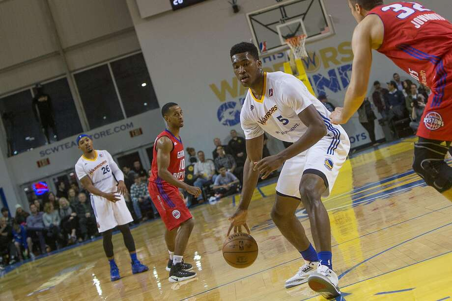 Damian Jones plays with Santa Cruz on Jan. 6, chipping in 13 points, 12 rebounds and four blocks in a 126-124 loss to Grand Rapids. Photo: Courtesy Of Santa Cruz Warriors