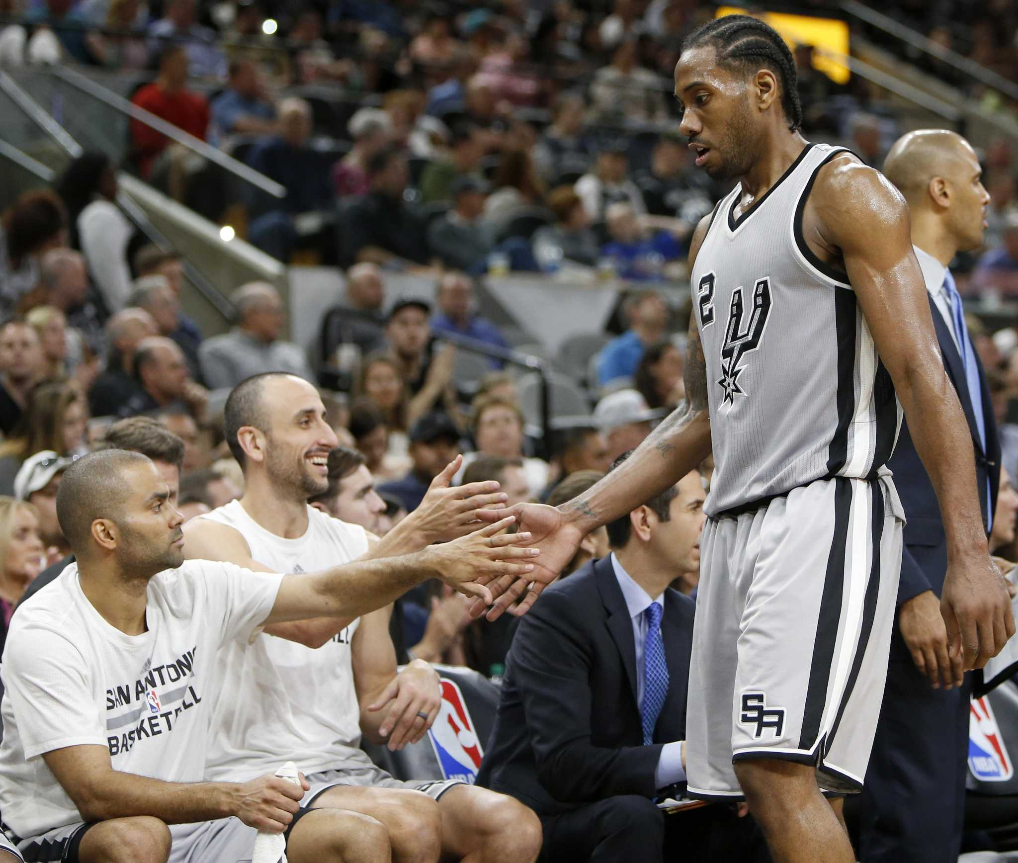 Kawhi Leonard Would Like To Play In Spurs' 6 Remaining