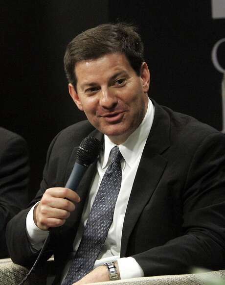"""FILE - In this April 19, 2010 file photo, Mark Halperin, center, political analyst and Editor-at-Large for """"Time"""" magazine, is shown during at National Media Symposium in the Oklahoma City National Memorial Center for Education & Outreach, in Oklahoma City. MSNBC is reinstating political analyst Mark Halperin this week, a month after he was suspended for an off-color remark about President Barack Obama. Halperin, a Time magazine editor at large, will return to """"Morning Joe"""" on Wednesday, MSNBC spokesman Jeremy Gaines said Tuesday, Aug. 2, 2011. (AP Photo/Sue Ogrocki, file) Photo: Sue Ogrocki, Associated Press"""