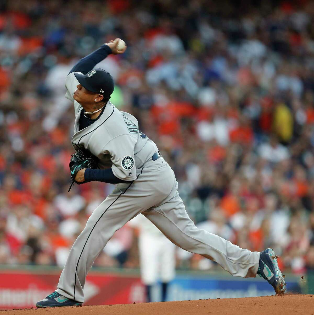 Seattle Mariners starting pitcher Felix Hernandez (34) pitches in the first inning of the Houston Astros at Minute Maid Park, Friday, March 31, 2017, in Houston.