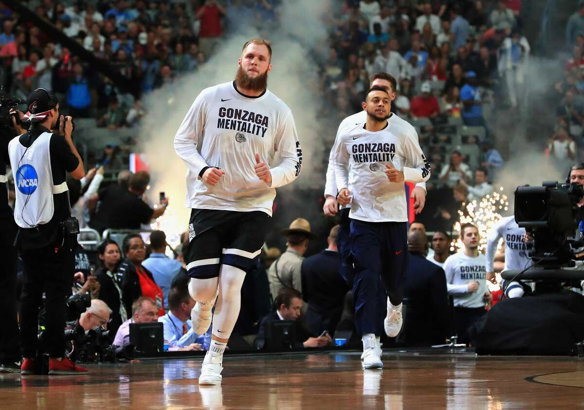 Przemek Karnowski #24 of the Gonzaga Bulldogs takes the court with teammates before the game against the North Carolina Tar Heels during the 2017 NCAA Men's Final Four National Championship game at University of Phoenix Stadium on April 3, 2017 in Glendale, Arizona. (Photo by Ronald Martinez/Getty Images)