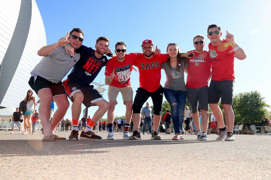 Gonzaga Bulldogs fans pose outside the stadium before the game against the North Carolina Tar Heels during the 2017 NCAA Men's Final Four National Championship game at University of Phoenix Stadium on April 3, 2017 in Glendale, Arizona.  (Photo by Christian Petersen/Getty Images) Photo: Christian Petersen/Getty Images